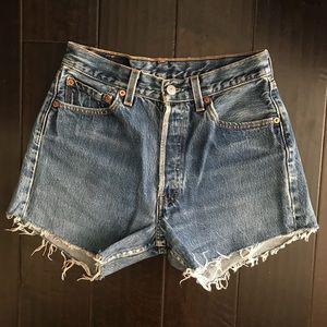 Vintage Levi cut-off Shorts